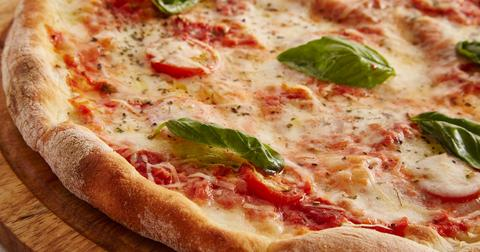 uploads/2018/02/pizza-3000274_1280.jpg