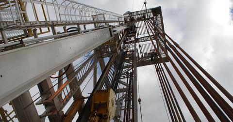 uploads/2018/07/drilling-rig-863320_1920-1.jpg