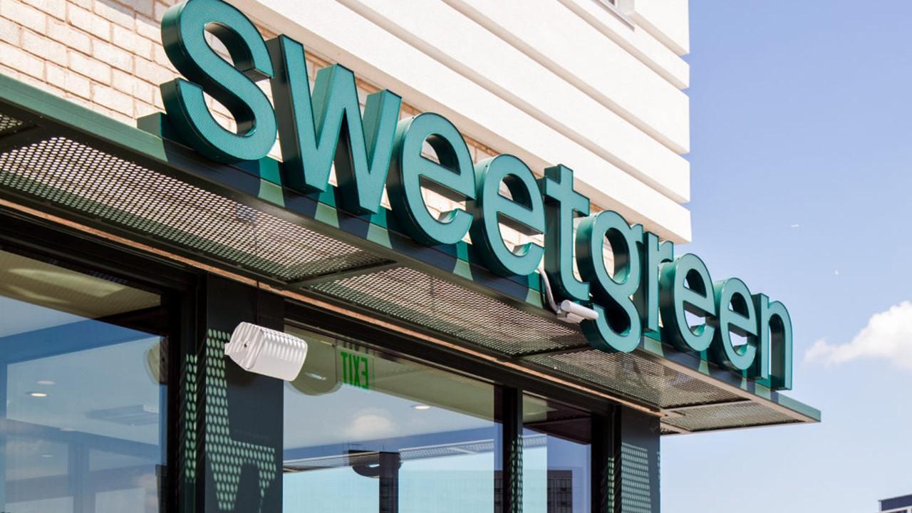 Sweetgreen sign
