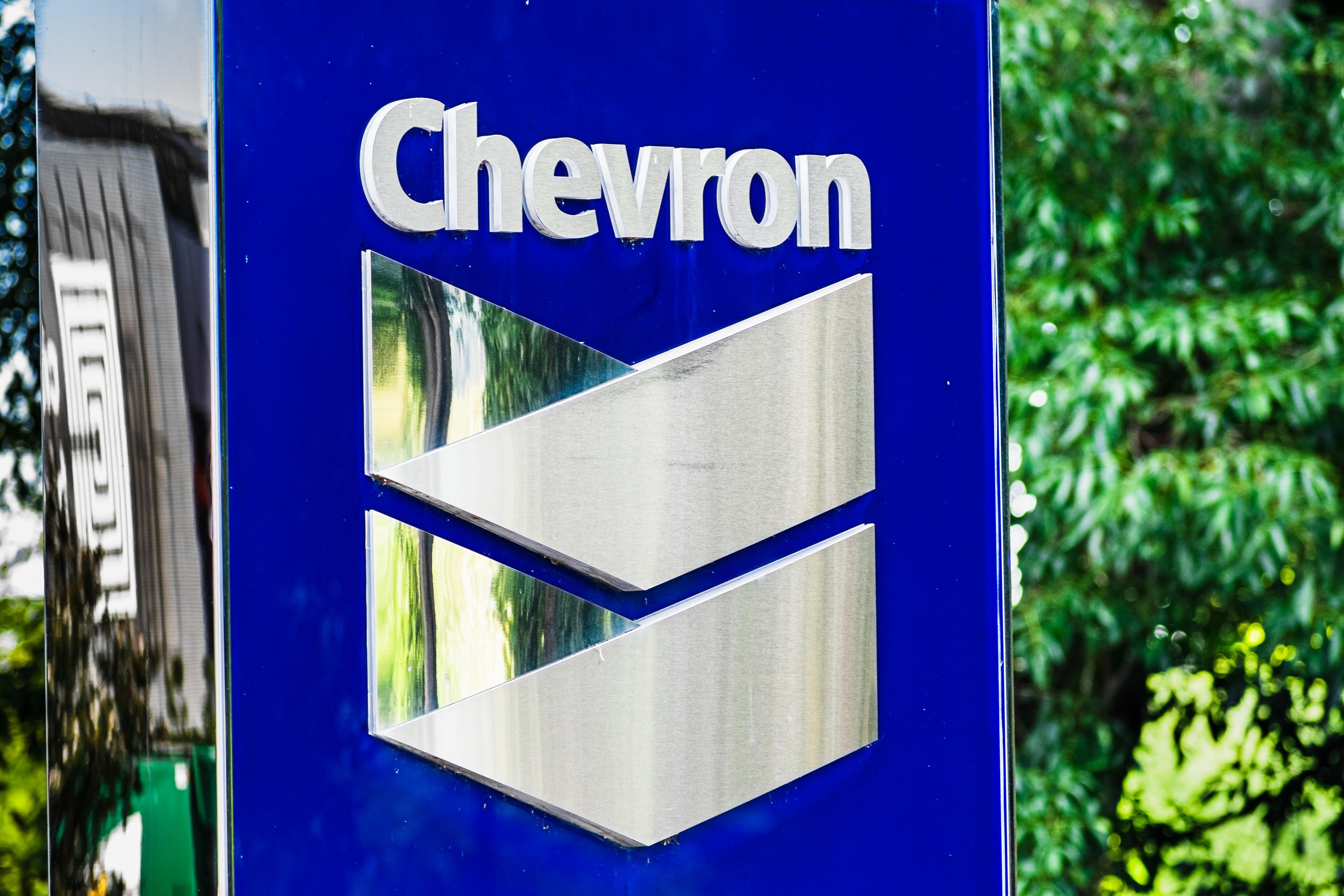 uploads///Chevron stock