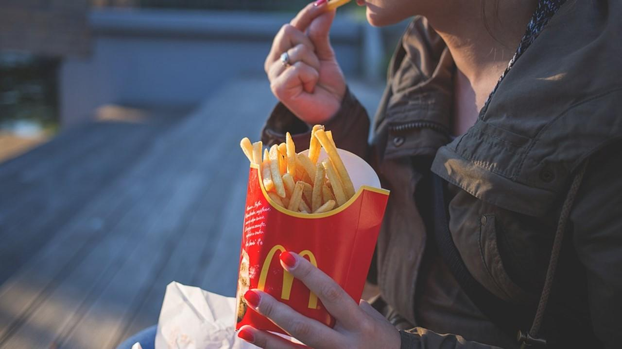 uploads///french fries fast food mcdonald