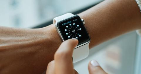 uploads/2020/02/Apple-smartwatch.jpg