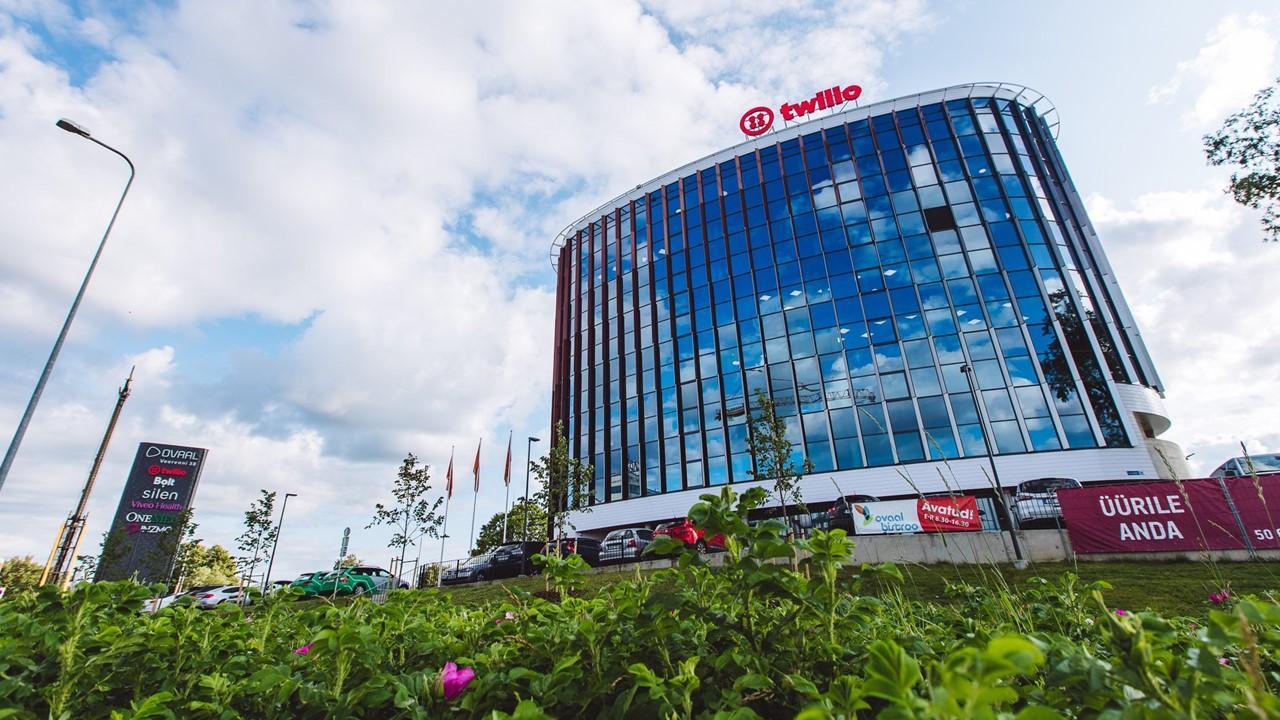 twilio releases earnings twlo stock price reacts