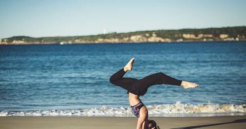 uploads/2019/02/yoga-1842292_1280.jpg