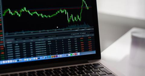 uploads/2019/05/stock-market-2616931_1920.jpg