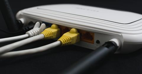 uploads/2018/11/wireless-1861612_1920.jpg