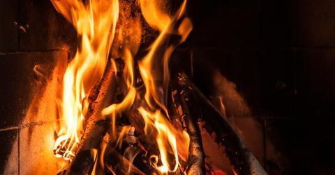 uploads/2019/06/fire-2473022_1280-1.jpg
