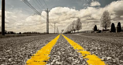 uploads/2018/06/road-166543_1280.jpg