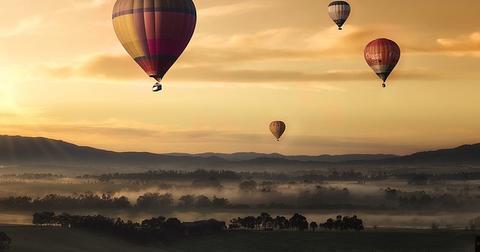 uploads/2019/06/balloonfly.jpg