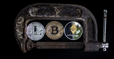 uploads/2018/05/cryptocurrency-3412302_1280.jpg