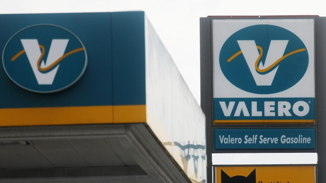 valero expected to post point billion earnings