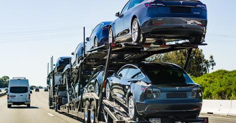 uploads/2019/09/Tesla-profits.jpeg