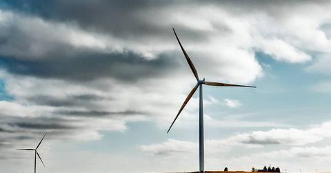 uploads/2018/04/wind-farm-farm-rural-sky-clouds-1747331.jpg