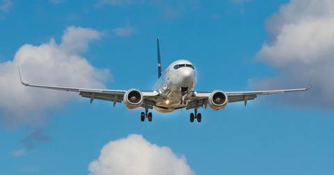 uploads/2020/05/warren-buffett-airlines.jpg