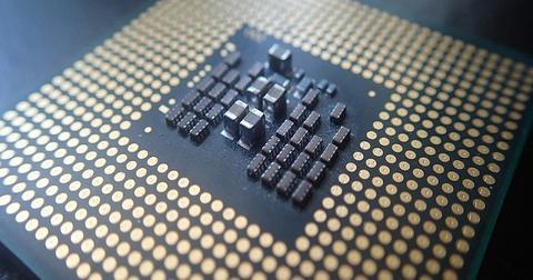 uploads/2019/08/AMD-data-center-processor-1.jpg