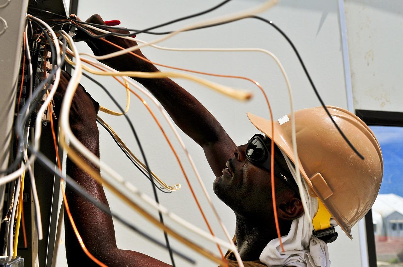 uploads///electrician _