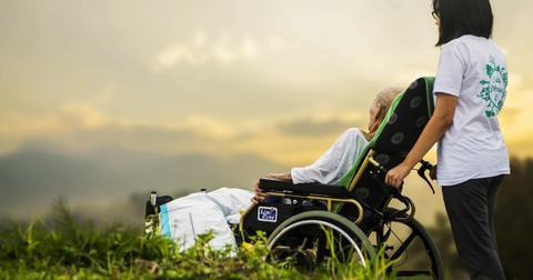 uploads/2018/03/hospice-1821429_1280.jpg
