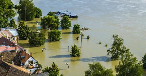 uploads/2019/02/flood-139000_1280.jpg