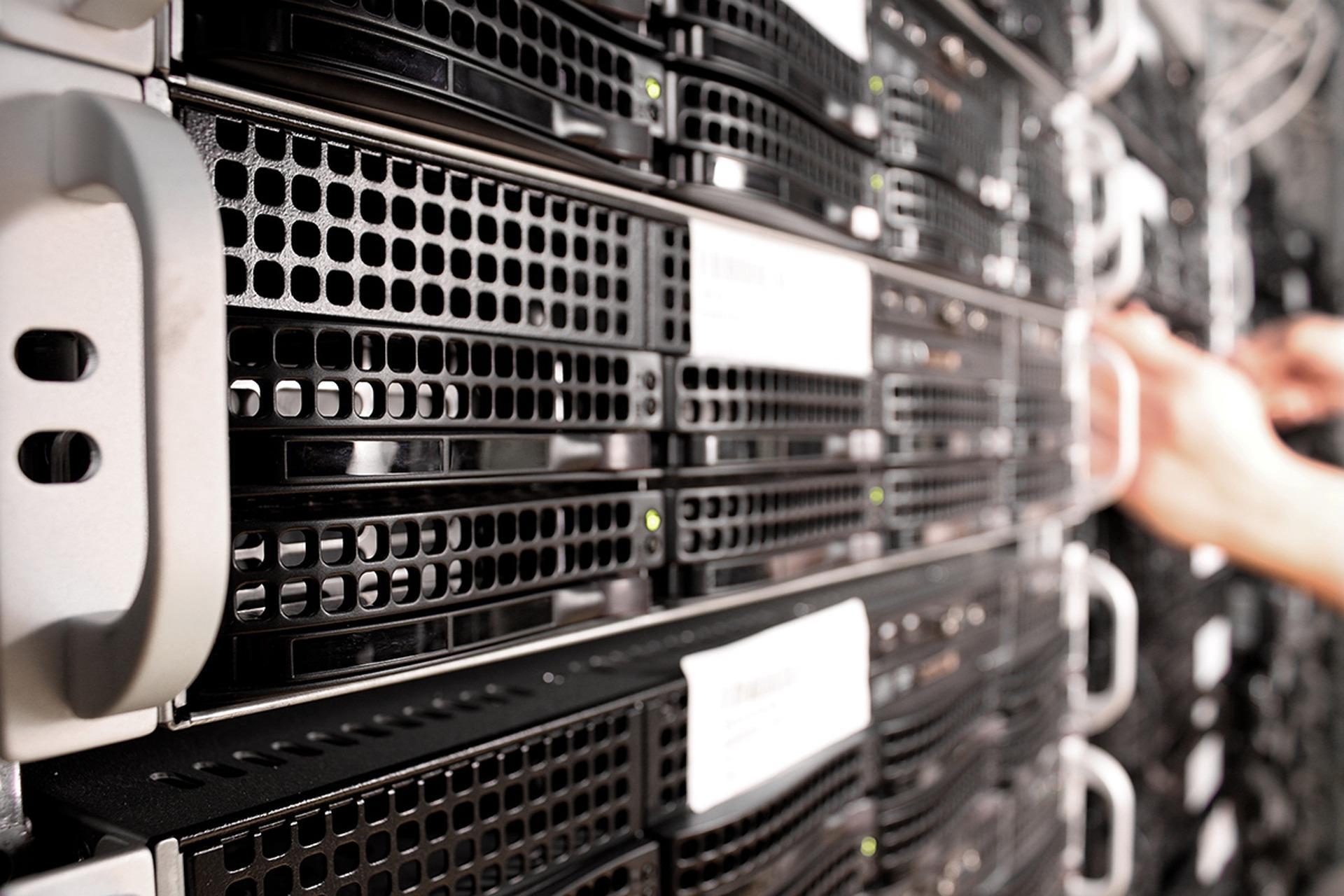 uploads///Servers
