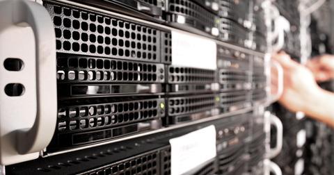 uploads/2019/11/Servers.jpg