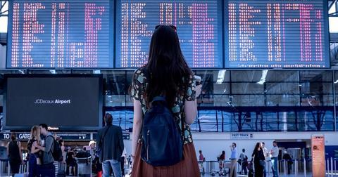 uploads/2019/06/airport-2373727_1280.jpg