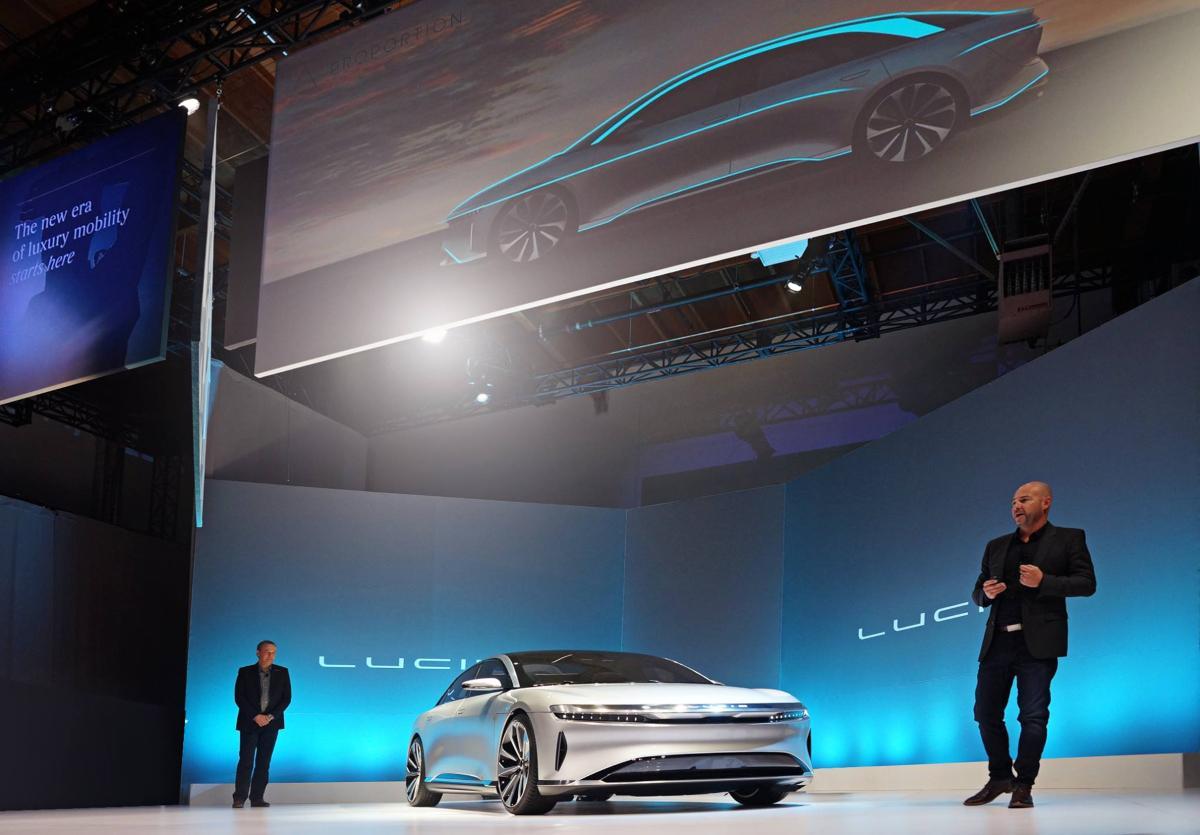 voitures électriques tesla lucid motors