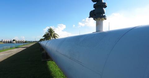 uploads/2018/03/pipeline-2472068_1920.jpg