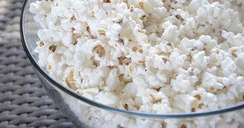 uploads/2019/06/popcorn-802047_1280.jpg