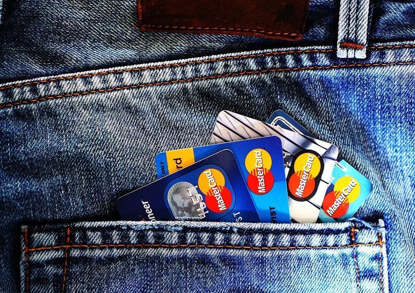 uploads///credit card _