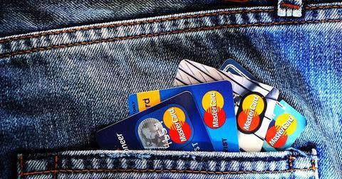 uploads/2018/10/credit-card-1583534_1280.jpg