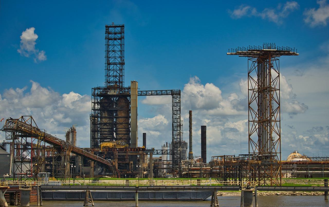 uploads///oil refinery _