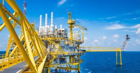 uploads/2019/10/ExxonMobil-and-Chevron-earnings.jpeg