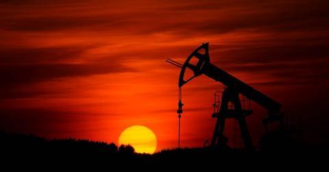 uploads/2018/10/oil-sunset-crude-oil-pic-2.jpg