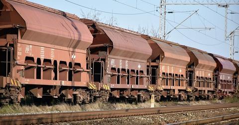 uploads/2019/04/cargo-train-4096239_1280.jpg