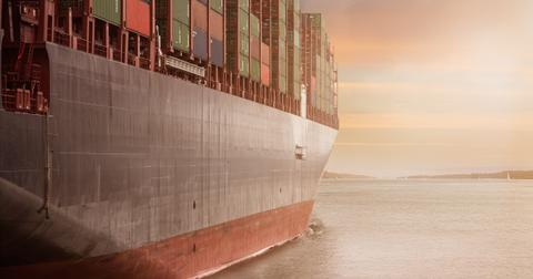 uploads/2019/06/cargo-cargo-container-city-262353.jpg