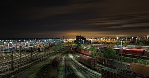 uploads/2019/01/railway-station-1363771_1280-3.jpg