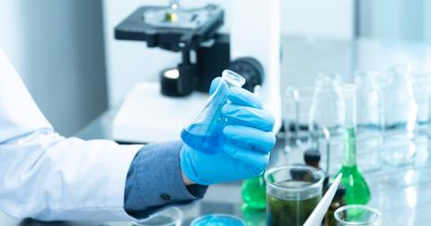 uploads/2019/06/biochemistry-biology-blue-2280571.jpg