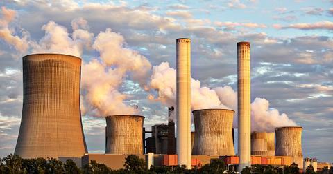 uploads/2019/05/power-plant-2411932_1280.jpg