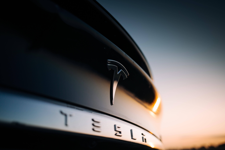 uploads///Tesla