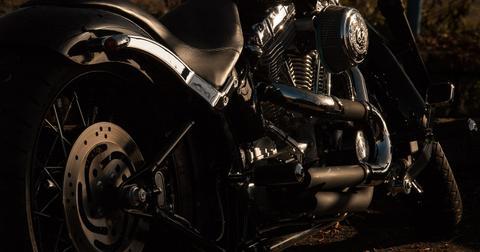 uploads/2018/07/motorcycle-1148963_1280.jpg