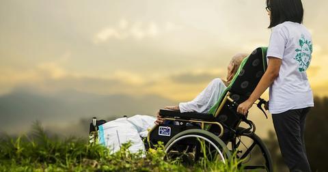 uploads/2018/08/hospice-1821429_640.jpg