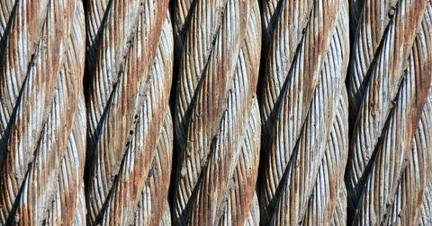 uploads/2018/02/steel-cables-187861_1920.jpg