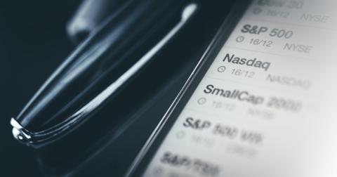 uploads/2019/12/stock-market-trader-desk.jpg