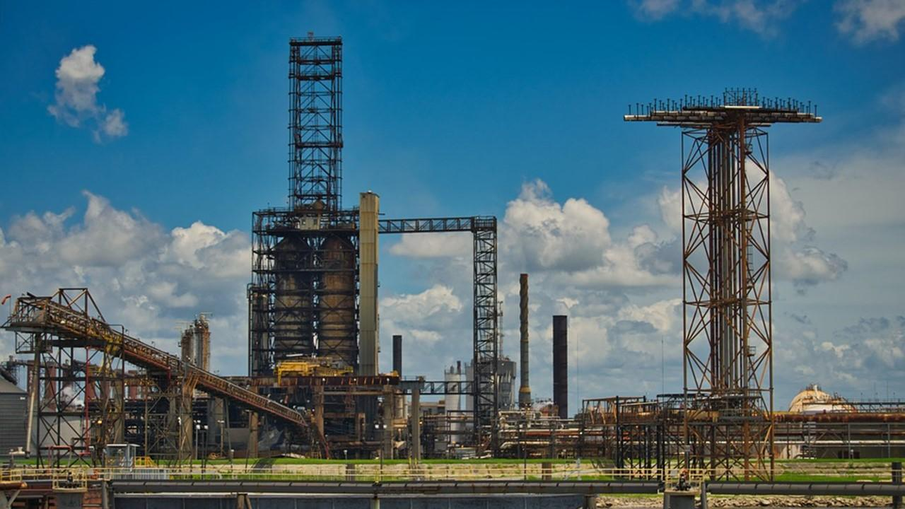 uploads///oil refinery industry oil