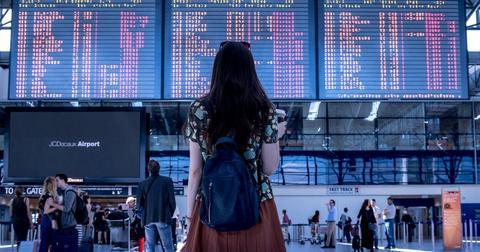 uploads/2020/05/airport-2373727_1280.jpg