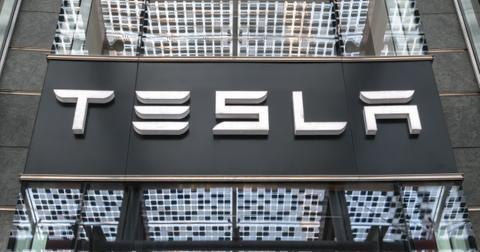 uploads/2019/11/Tesla-Model-Y.jpeg