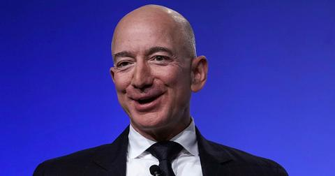 Jeff Bezos Bought a House With His Girlfriend