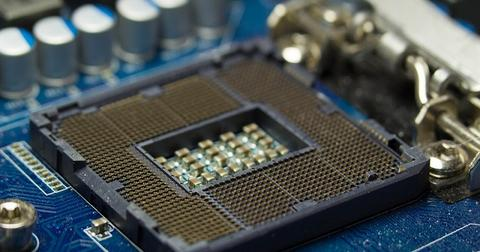 uploads/2019/08/Intel-semiconductor-sales.jpg