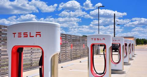 uploads/2019/12/Tesla-battery.jpeg