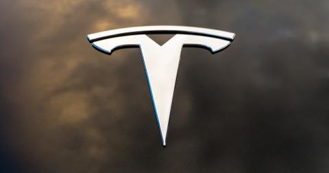 uploads/2019/11/Tesla-Stock.jpeg